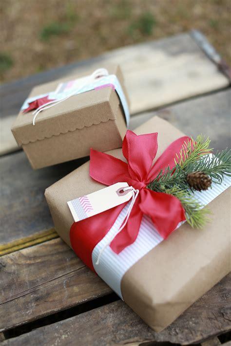 personalizing  gift wrap