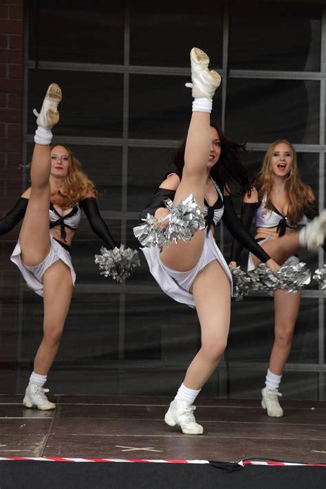 times  cheerleaders proved  excel  wardrobe