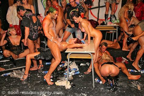 Set Mad Sex Party