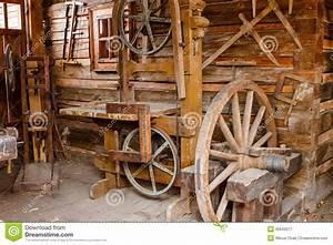 Video Travail Du Bois : vieux outils rouill s de travail du bois image stock ~ Dailycaller-alerts.com Idées de Décoration