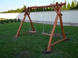 Houpačka pro děti dřevěná