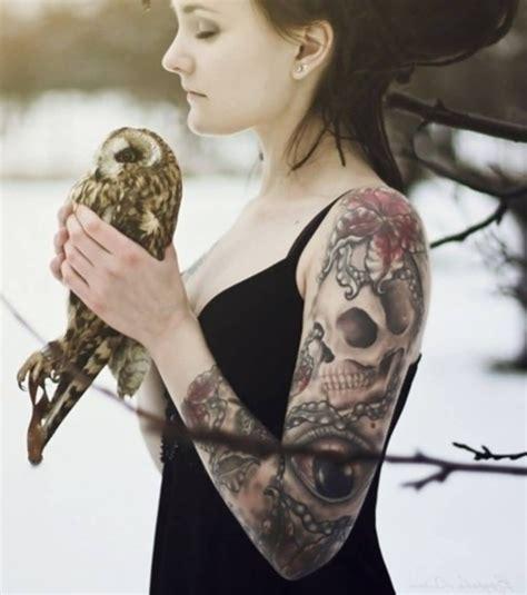 Photo  Tatouage Femme  Un Tatouage Gothique Sur Le Bras