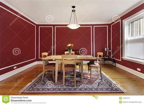 pareti sala da pranzo sala da pranzo con le pareti rosse immagine stock