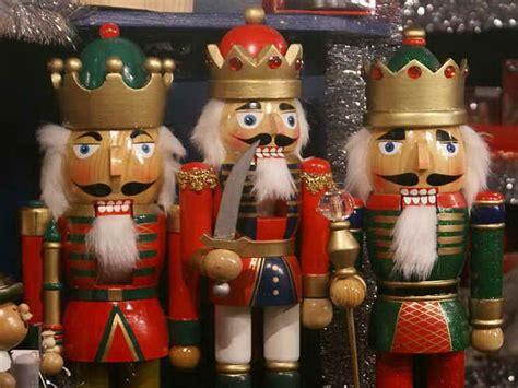 holiday christmas market weihnachtsmarkt german nuremberg