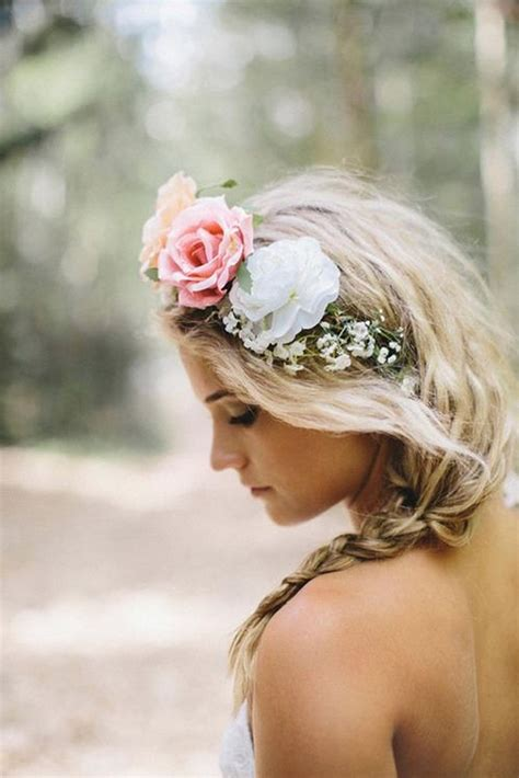 Pick The Best Ideas For Your Trendy Bridal Hairstyle