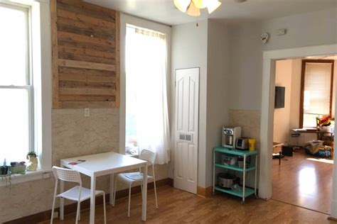 Logan Square Bright 2 Bedroom Two Bedroom On Border Of Logan And Avondale Rents For