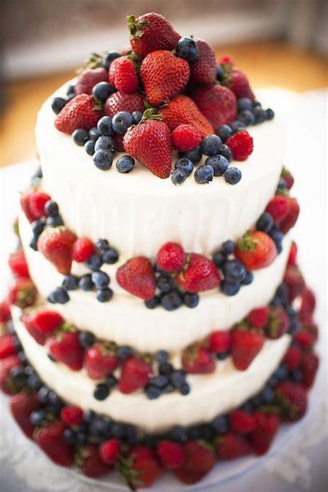 20 Yummy Rustic Berry Wedding Cakes Deer Pearl Flowers
