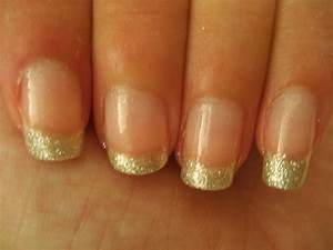 a glitter tip nails