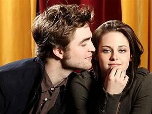 Twilight stars Robert Pattinson & Kristen Stewart get ...