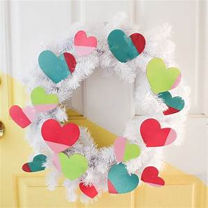 Easy Valentine's Day Wreath   Craft + Tell