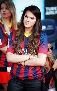 Bruna cheers on Neymar - Zimbio
