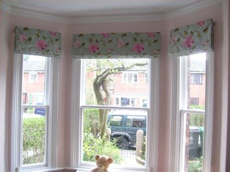 Bendable Curtain Rod For Bay Window by Bay Window Curtain Ideas That Work Perfectly And Look Great