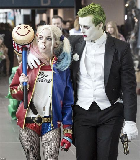 Fantasy Obsessives Flock To Comic Con To Show Off Their