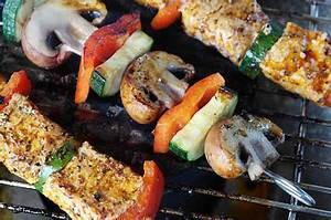 Comment Nettoyer Une Grille De Barbecue Tres Sale : comment nettoyer une grille de barbecue 10 astuces simples et efficaces ~ Nature-et-papiers.com Idées de Décoration