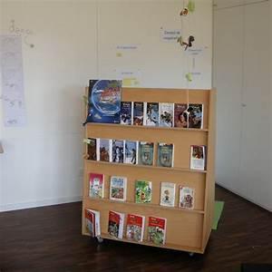 Presentoir Livre Enfant : tables et chaises pour la petite enfance en romandie ~ Teatrodelosmanantiales.com Idées de Décoration