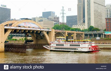 Mississippi River Boat Cruise Wisconsin by Mississippi River Sightseeing Tour Boat Stock Photos