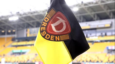 Sportgemeinschaft dynamo dresden e.v., commonly known as sg dynamo dresden or dynamo dresden, is a german football club in dresden, saxony. Dynamo Dresden: Kompletter Kader muss in Corona-Quarantäne