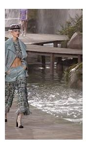 Spring-Summer 2018 Ready-to-Wear Show - CHANEL