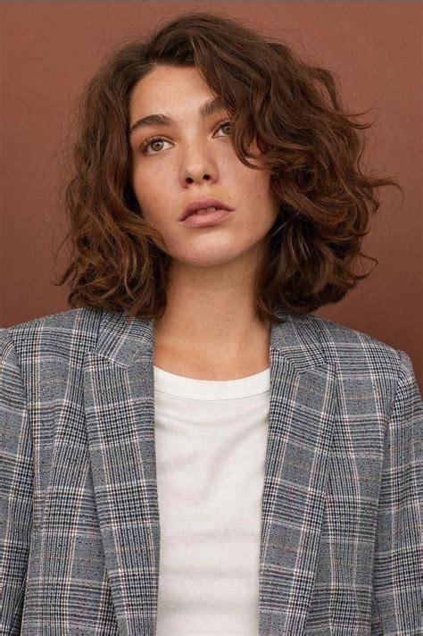#curlyhaircut #shortwavyhair in 2020 Short natural curly
