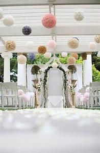 Pompons Et En Decoration De Mariage Dcoration