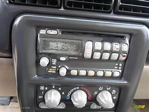 2002 Pontiac Montana Standard Montana Model Controls Photo