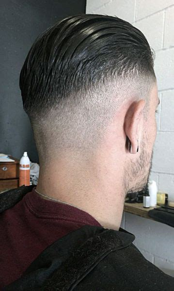 fresh fashionable mens short   sides haircuts