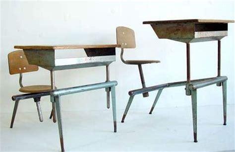bureau ecolier jean prouve bureaux d 39 écoliers ribambelles ribambins