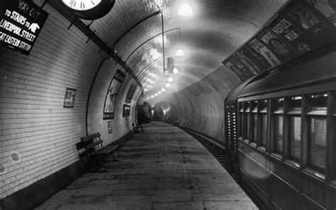halloween map reveals londons  haunted tube stations