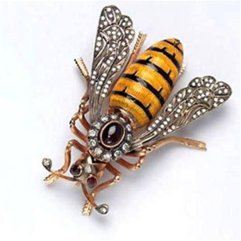 bee jeweled   vintage victorian bee brooch