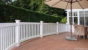 terrassen sichtschutz hartholz 25 jahre garantie With französischer balkon mit holzbank garten rustikal