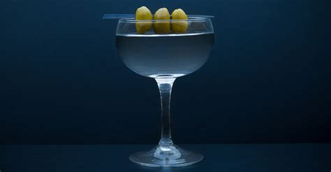 classic gin cocktails 9 classic gin cocktails everyone should know how to make vinepair