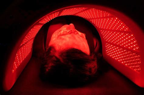 Red led light skin treatment