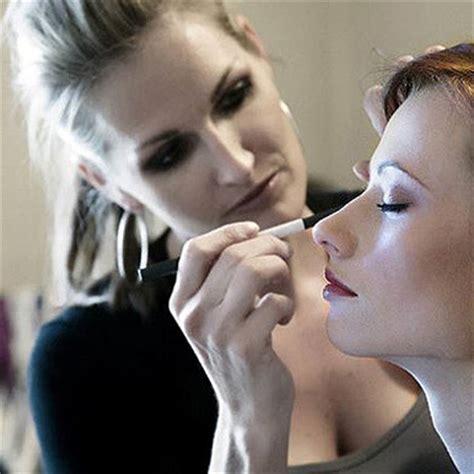 becoming a professional makeup artist makeup artist makeupstudio