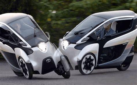 Toyota unveils auto pilot cars - - Emirates24|7