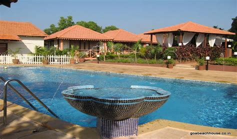 goa beach house hotels  goa
