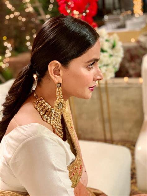 Latest Clicks of Talented Actress Saba Qamar   Reviewit.pk