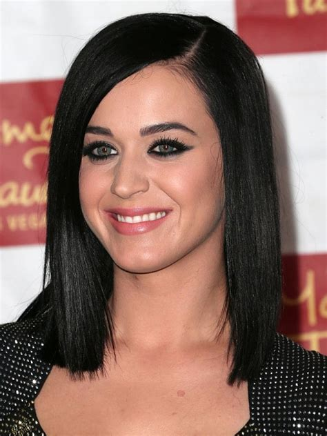 20 popular medium length hairstyles with bangs magment