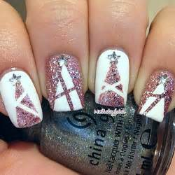 Chic unique holiday nail design lifepopper