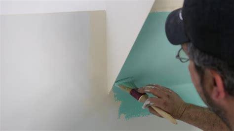 kanten streichen ohne abkleben sockel streichen saubere farbkanten durch abkleben anleitung tipps diybook ch