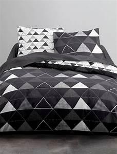 Parure De Lit Noir : parure de lit noir et blanc imprim 39 triangles 39 linge de ~ Melissatoandfro.com Idées de Décoration