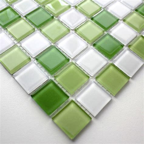 mosaique verte salle de bain mosaique carrelage verre 1 plaque vert mix