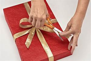 Community Activity - Christmas Gift Wrapping - Lilydale ...