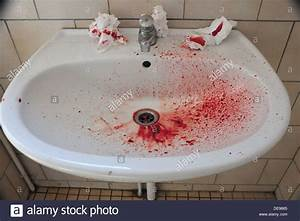Blood In Sink Stock Photo 60438733 Alamy