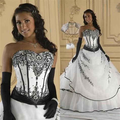 2015 Vintage Black And White Wedding Dresses Ball Gown