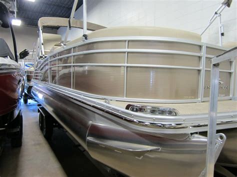 Bennington Pontoon Boats Accessories by The 25 Best Bennington Boats Ideas On Pinterest Boating