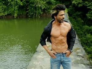 Shahrukh Khan's Happy New Year Box Office Prediction ...