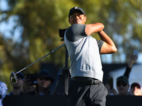 Tiger Woods shoots an opening-round 72 (1-over) at the ...