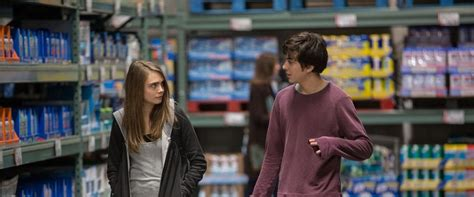 resume de paper towns paper towns review summary 2015 roger ebert