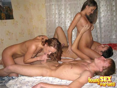 Young Sex Parties Teenagers Hanging Out And Fucking Loud