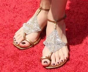 Yara Shahidi Feet - Image Mag